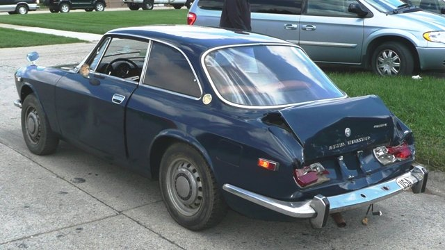 Name:  1971 GTV moments after Accident (notice bumper fine).JPG