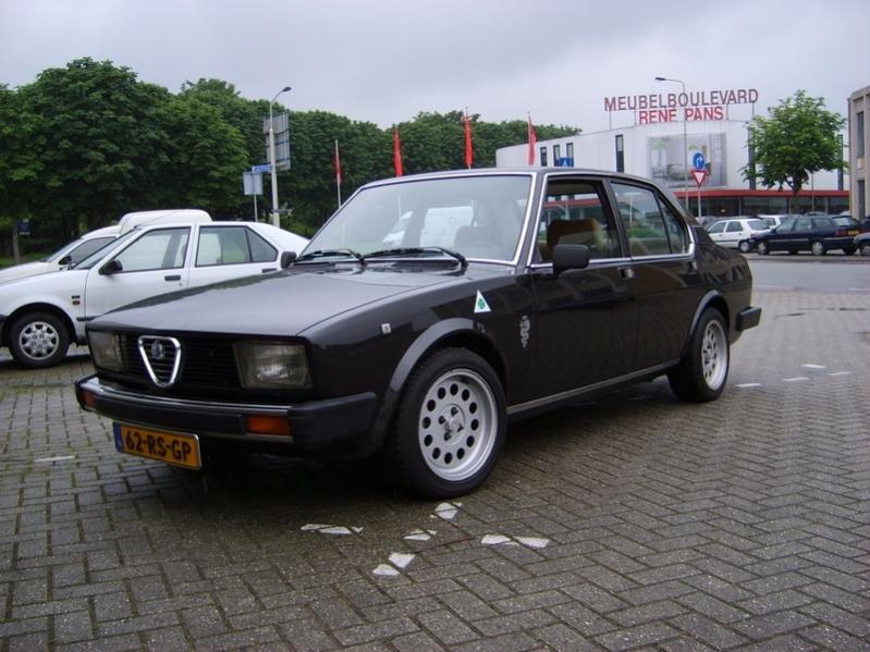 Name:  81 sedan Holland.jpg Views: 120 Size:  74.1 KB