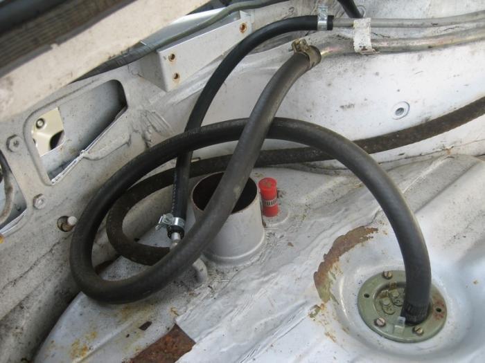 D Fuel Pumps Webers Fuel Tank Hoses on Alfa Romeo Spider Fuel Tank Sending Unit