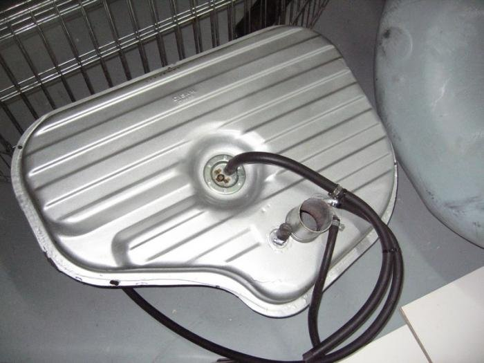 Name:  Fuel Tank with Intank Pump Weber.jpg