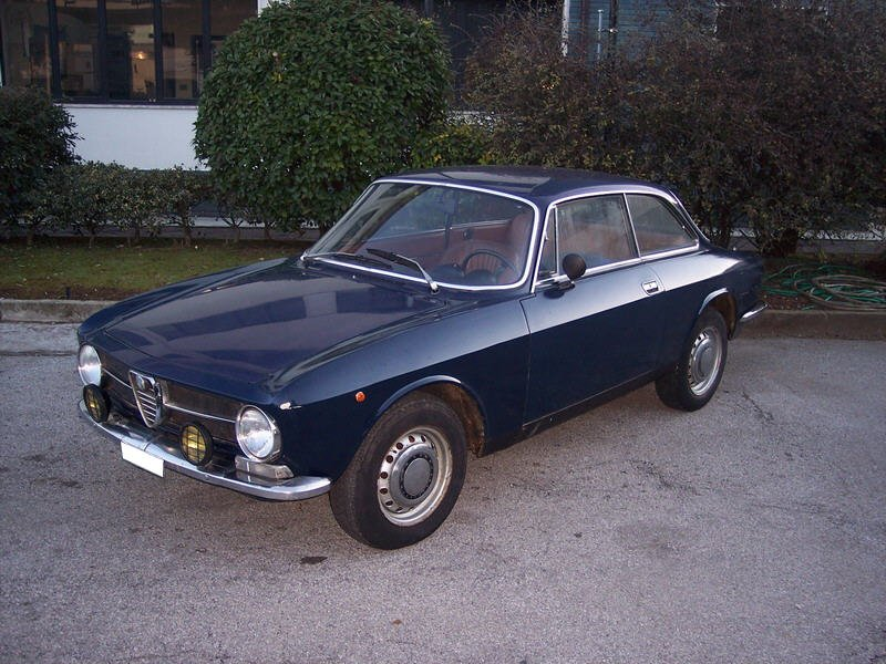 Alfa Romeo Gt Junior. Photos 3 ,4 and 5 Gt Junior 1