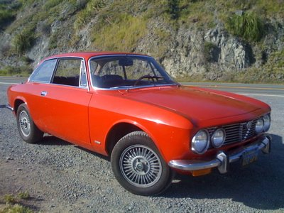 For Sale 1972 Alfa Romeo GTV *GT Veloce* 2000 2-door coupe classic (CA)