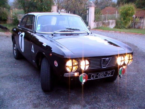 Showcase cover image for ibeatgodzilla's 1975 Alfa Romeo GT1300 Junior
